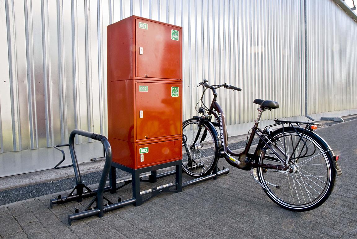 Porta bici con armadietto porta oggetti e ricarica elettrica