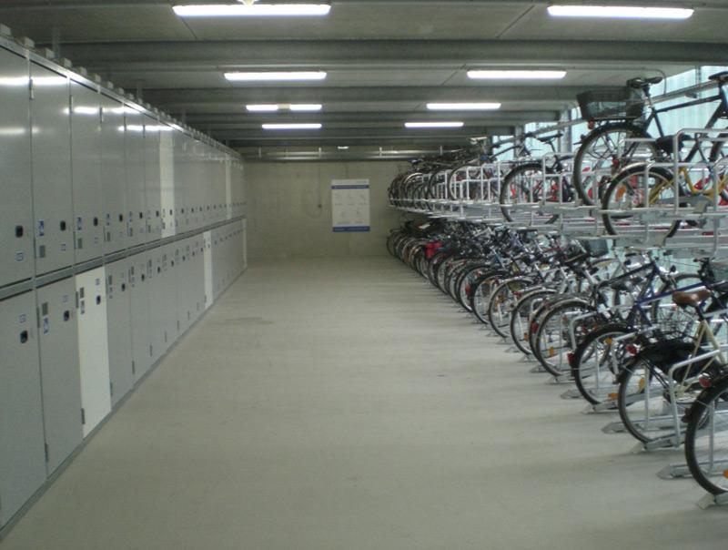 Box garage per biciclette for Prezzi del garage a due piani