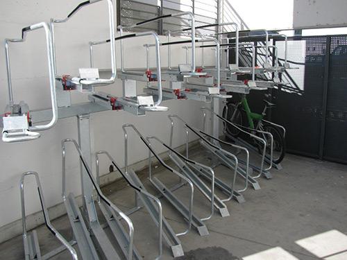 Porta biciclette per stazione